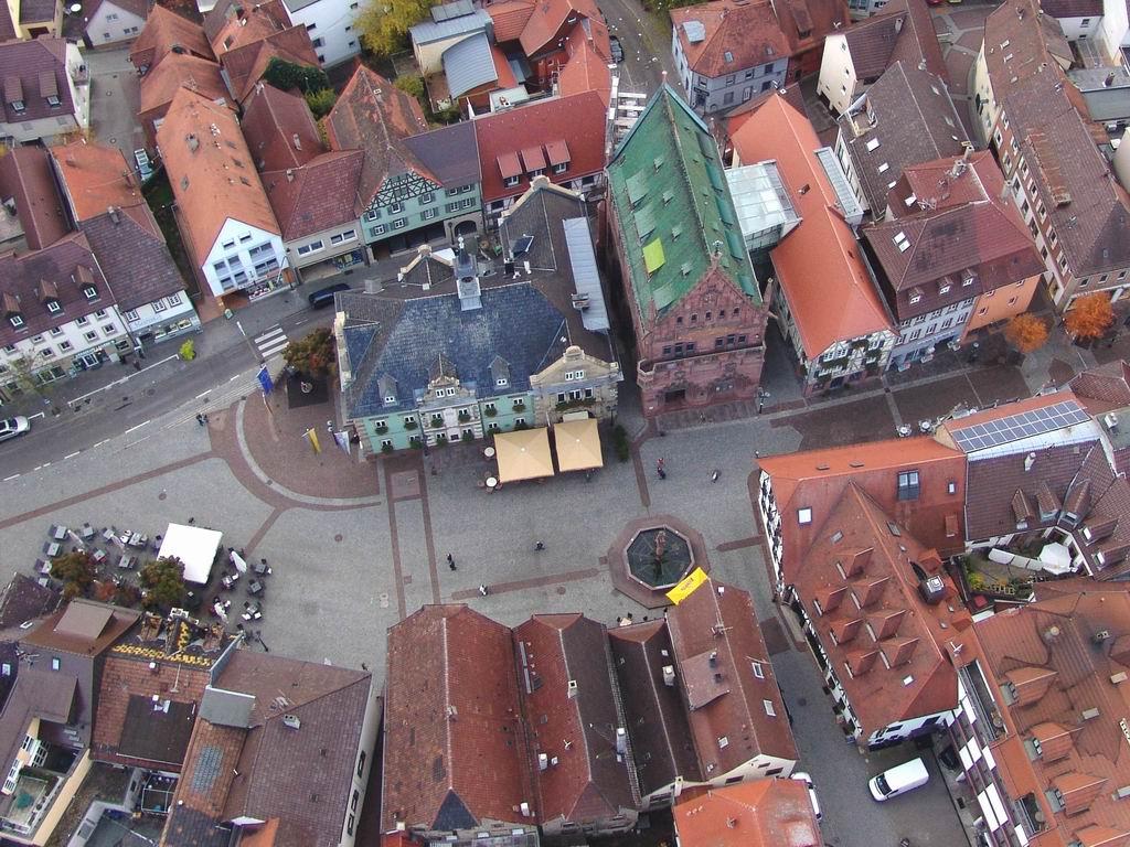 Luftbild vom Brettener Marktplatz